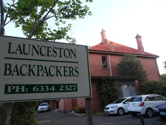 Launceston Backpackers: Entrance