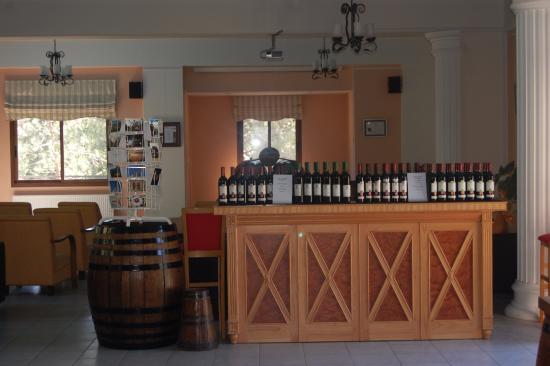 Lambouri Winery: В дегустационном зале