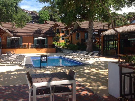 Phi Long Beach Resort Villa Pileta