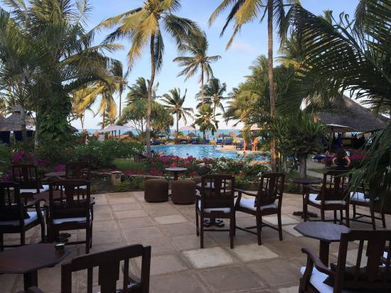 Breezes Beach Club Spa Zanzibar | jarhtk