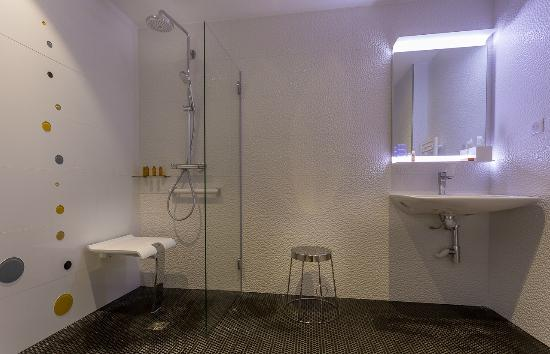 h tel les bulles de paris france voir les tarifs 73 avis et 568 photos. Black Bedroom Furniture Sets. Home Design Ideas