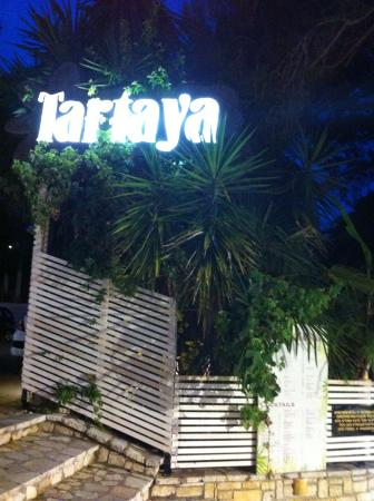 ‪Tartaya Cocktail Bar‬