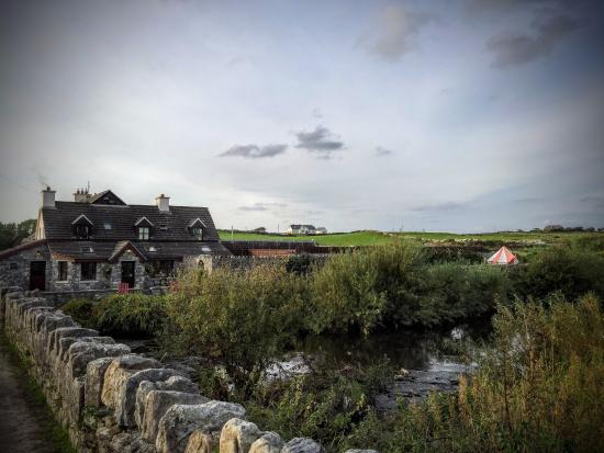 Aille River Hostel: Outside of the hostel