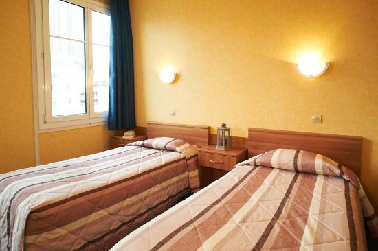 Hotel le petit duquesne nantes france voir les tarifs for Hotel petit prix