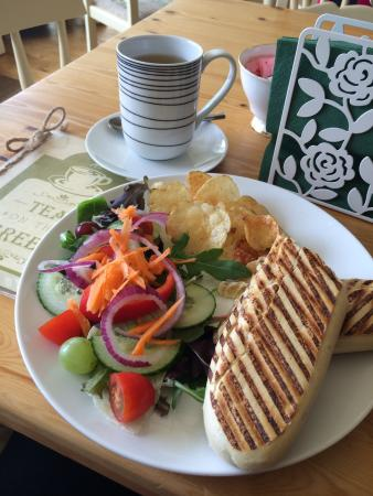 Chinley, UK: Panini & green tea. Delicious.
