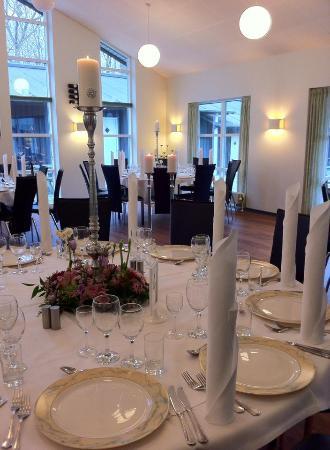 Skaelskoer, Dinamarca: Opdækning til en af de mange fester vi har.
