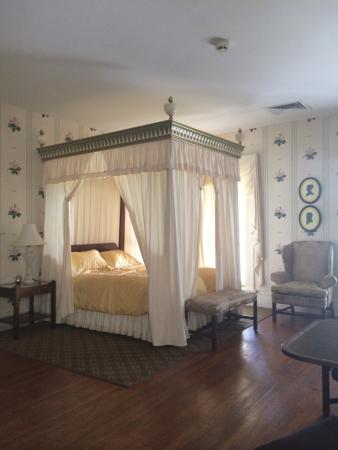 South Boston, VA: A Bedroom to die for