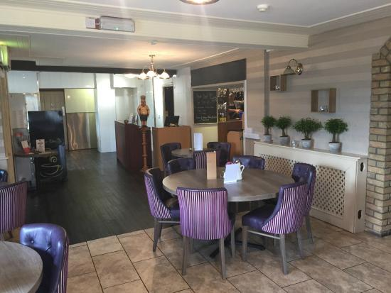 Llanedi, UK: dining area