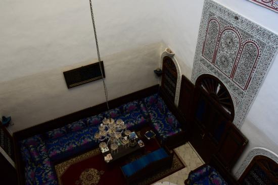 Dar El Ouedghiri: Vista al patio interior desde la ventana de la habitación (2).