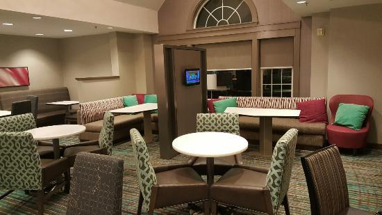 Residence Inn Detroit Novi: View of the dining area
