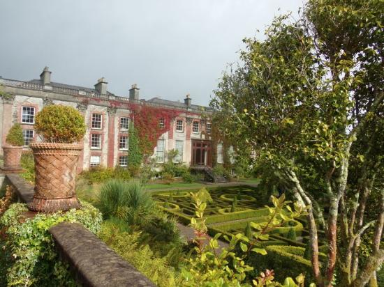 Caminetto picture of bantry house garden bantry for Bantry house