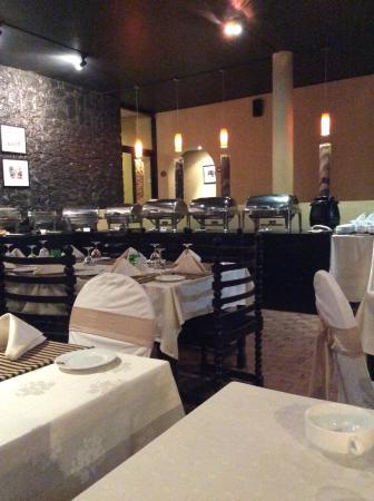 The Lake Restaurant: Quiet nite!