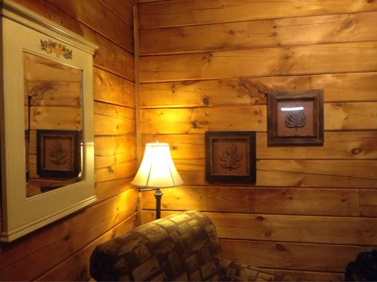 Old Man's Cave Chalets: Hemlock