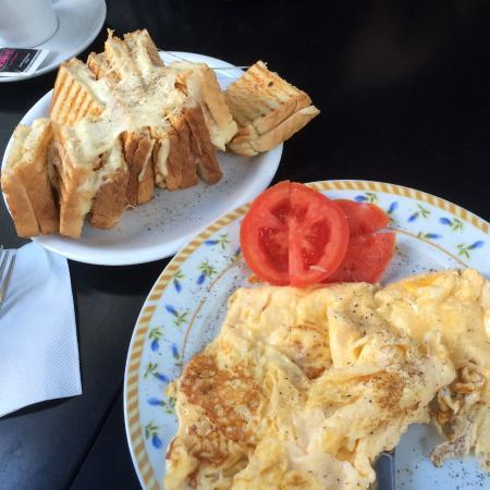 chandelier plaka, Athens - Plaka - Restaurant Reviews, Phone ...