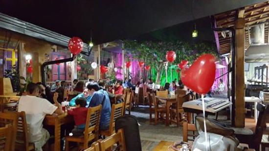 San Antonio de Pereira, Колумбия: El Patio de San Antonio - Noche