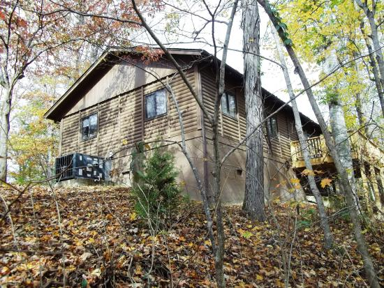 Hilham, Tennessee: one of the rental cabins