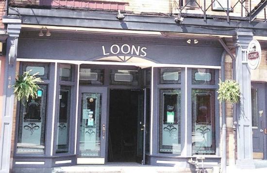 Loons Restaurant & Pub