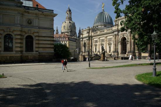 Dalla terrazza, vista su Albertinum, Frauenkirche e accademia di ...