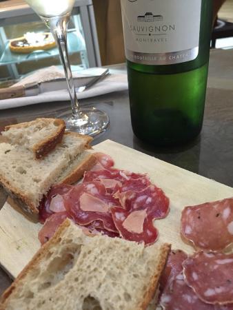 Chai Monique : Ragfijne charcuterie met foie gras en Pécharmant, tartines met pompoen en pittige Indiase tonijn