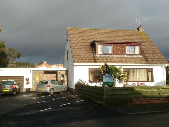 fairways B & B By the sea and 5 minutes walk from Turnberry golf course