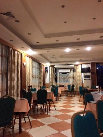 Yim Saan Hotel & Restaurant: Restaurant