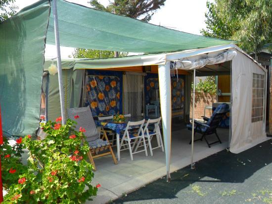Piazzola con pavimento e bagno privato picture of - Camping bagno privato ...