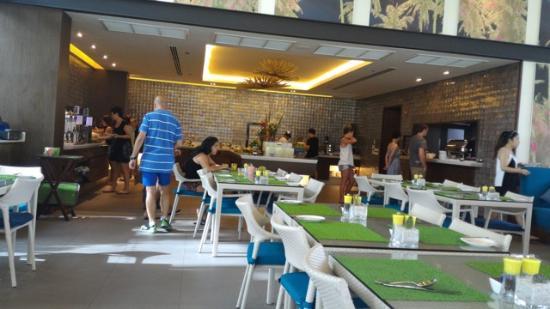 OZO Chaweng Samui: The Dining room