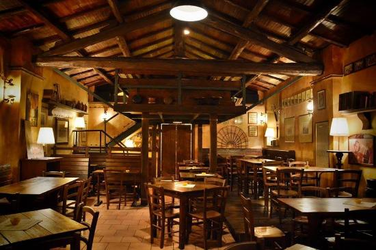Bassano Romano, Italien: Interno del locale