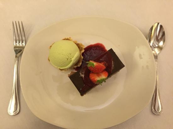 Coast Restaurant at the Grand Hotel Malahide: Chocolate brandy torte