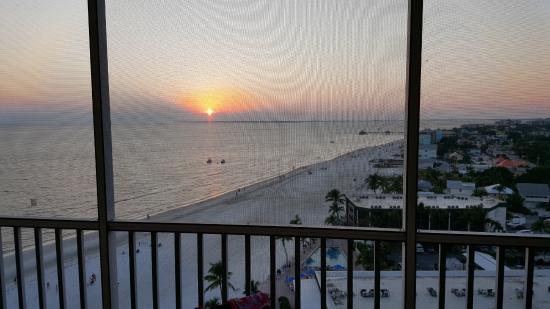 DiamondHead Beach Resort: Relaxing room view