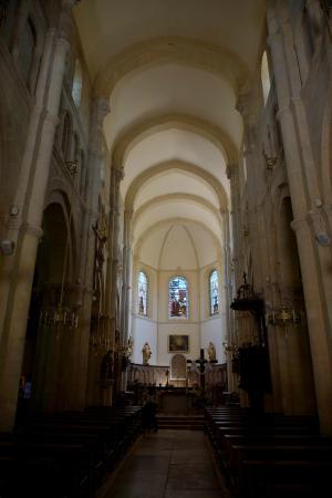 Saulieu, فرنسا: Внутри
