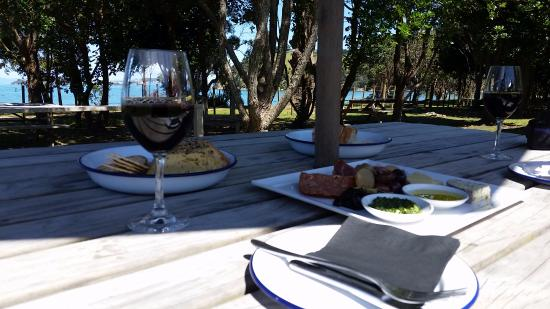 Waiheke Adası, Yeni Zelanda: Setting outside with a view