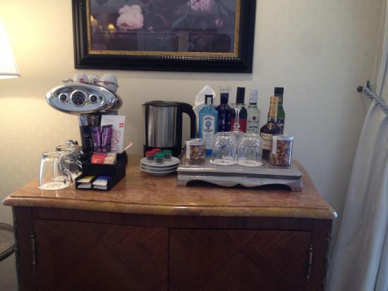 InterContinental Amstel Amsterdam: Coffee/ mini bar