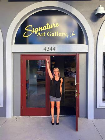 Signature Art Gallery Of Vero: Front Door Signage