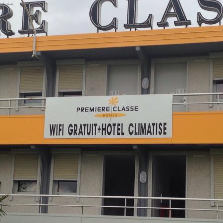 Premiere Classe Angouleme Sud La Couronne: Hôtel Première  Classe fraîchement rénové. Un vrai plaisir ce séjour avec un wifi qui fonctionne