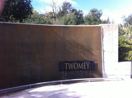Twomey Cellars: entrance