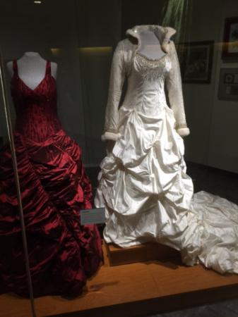 trisha yearwood 39 s wedding gown married to garth brooks