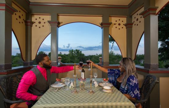 Delavan, WI: Tower dining is a highlight of staying at the mansion