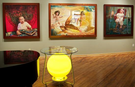 Jim Thorpe, Пенсильвания: The Gallery with Victor Stabin's Turtle Series works
