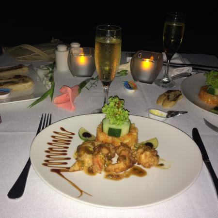 cena con camarones