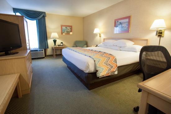 Pear Tree Inn Cape Girardeau West: King Guestroom