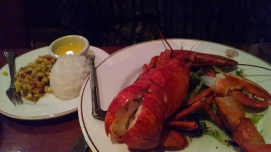 1637 at York Harbor Inn: Whole lobster dinner