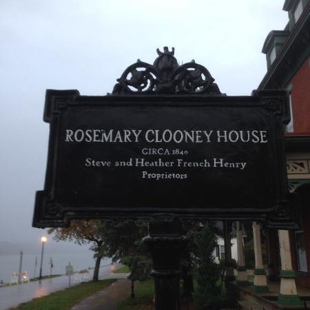 Rosemary Clooney House: Historic sign