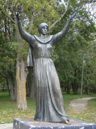 Putivl, Ukraina: памятник Ефросинье Ярославне