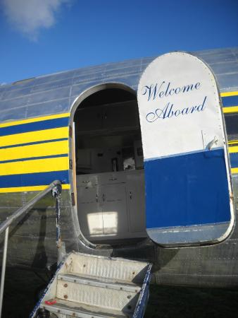 Canadian Museum of Flight: Welcome into the DC-3
