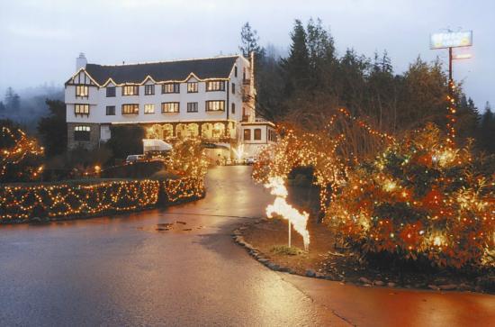 Benbow Historic Inn: 10,000 Exterior and Interior Lights