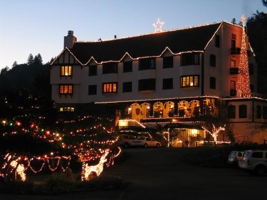 Benbow Historic Inn: Holidays are Special at The Historic Benbow Inn