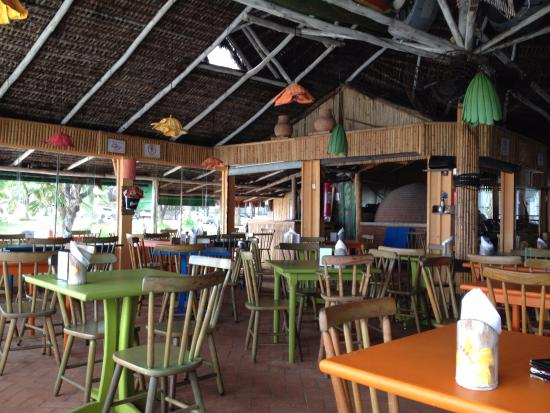 Ambiance salle manger picture of tahiti restaurante guaruja tripadvisor for Ambiance salle a manger