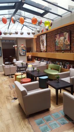 Hotel Le Six: Sitting area