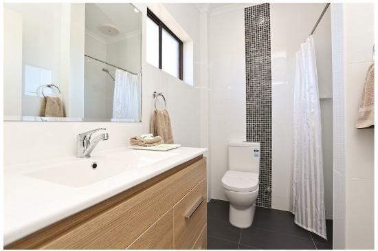 Morphettville Motor Inn: Bathroom